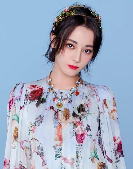 不是baby杨紫不是关晓彤?2018金鹰女神凭什么是她?