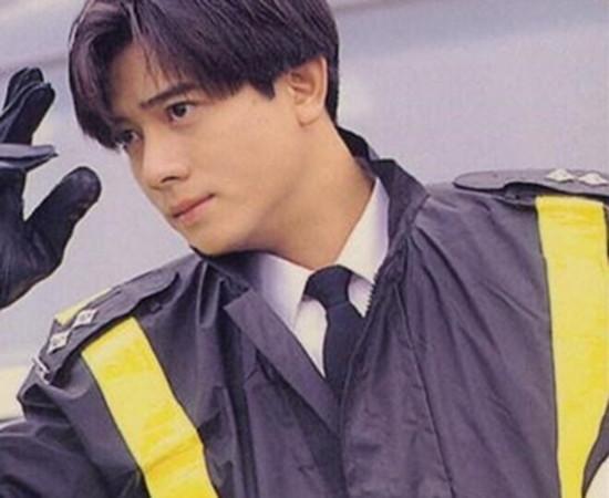 郭富城浪漫樱花舞蹈_年轻时的郭富城是真美男子,但真爱却在41岁到来,令人唏嘘。_香港