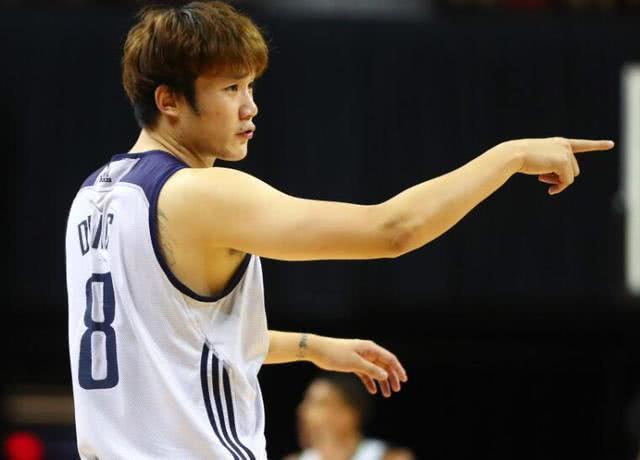 """小丁为了理想放弃高薪,接受""""廉价合同""""只为能在NBA站稳脚步"""