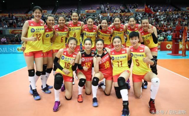 中国体育2大喜讯!美国教练庆祝中国女排胜美国 国乒灭日本夺2冠