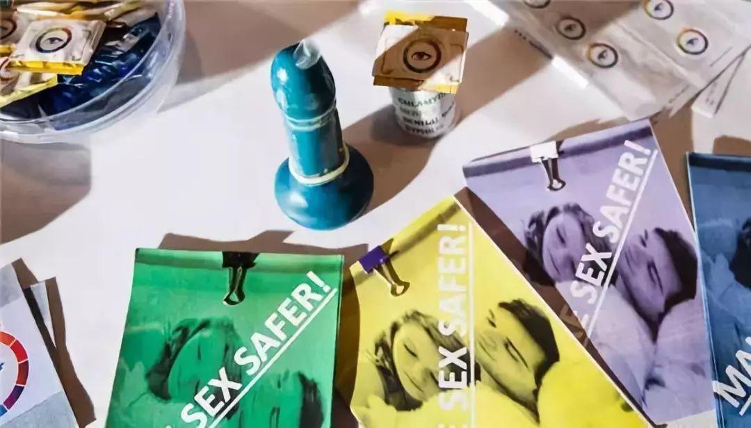 英国13岁少年发明变色安全套 - 可自动测试性病病毒