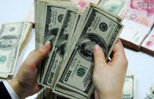 离岸人民币跌破6.94汇率保卫战一触即发?