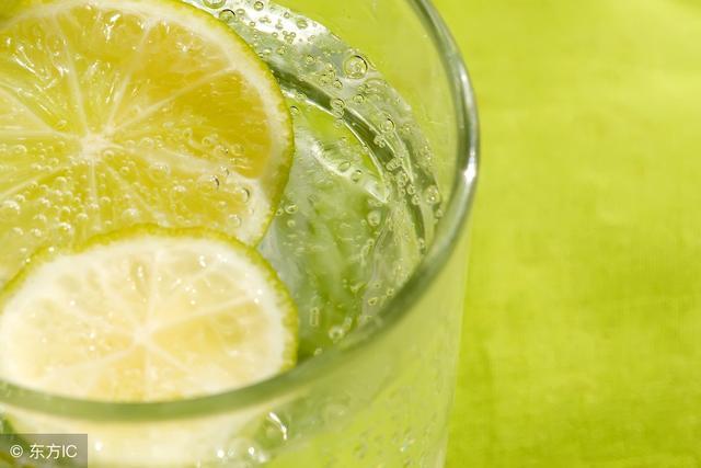 苏打水并非比纯水好,这类人就不适合喝!