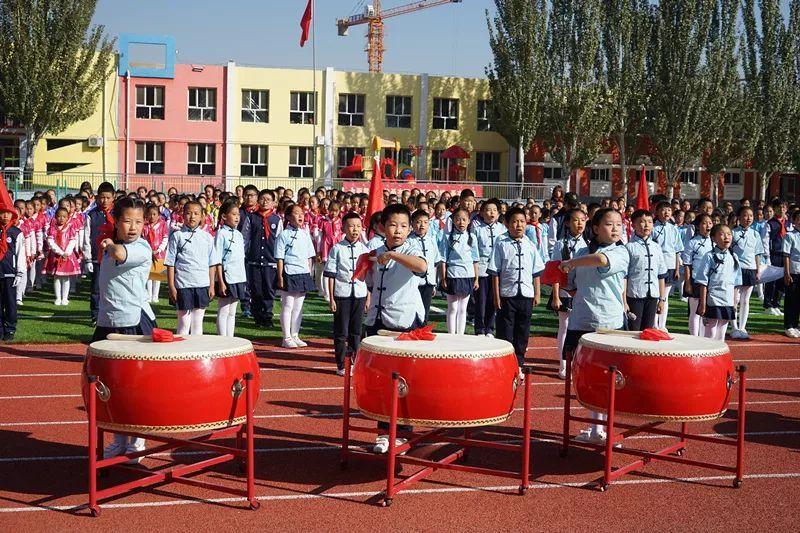 《少年梦,中国梦》,《鸿雁》,《少年中国梦》,优秀中队的展演,同学们