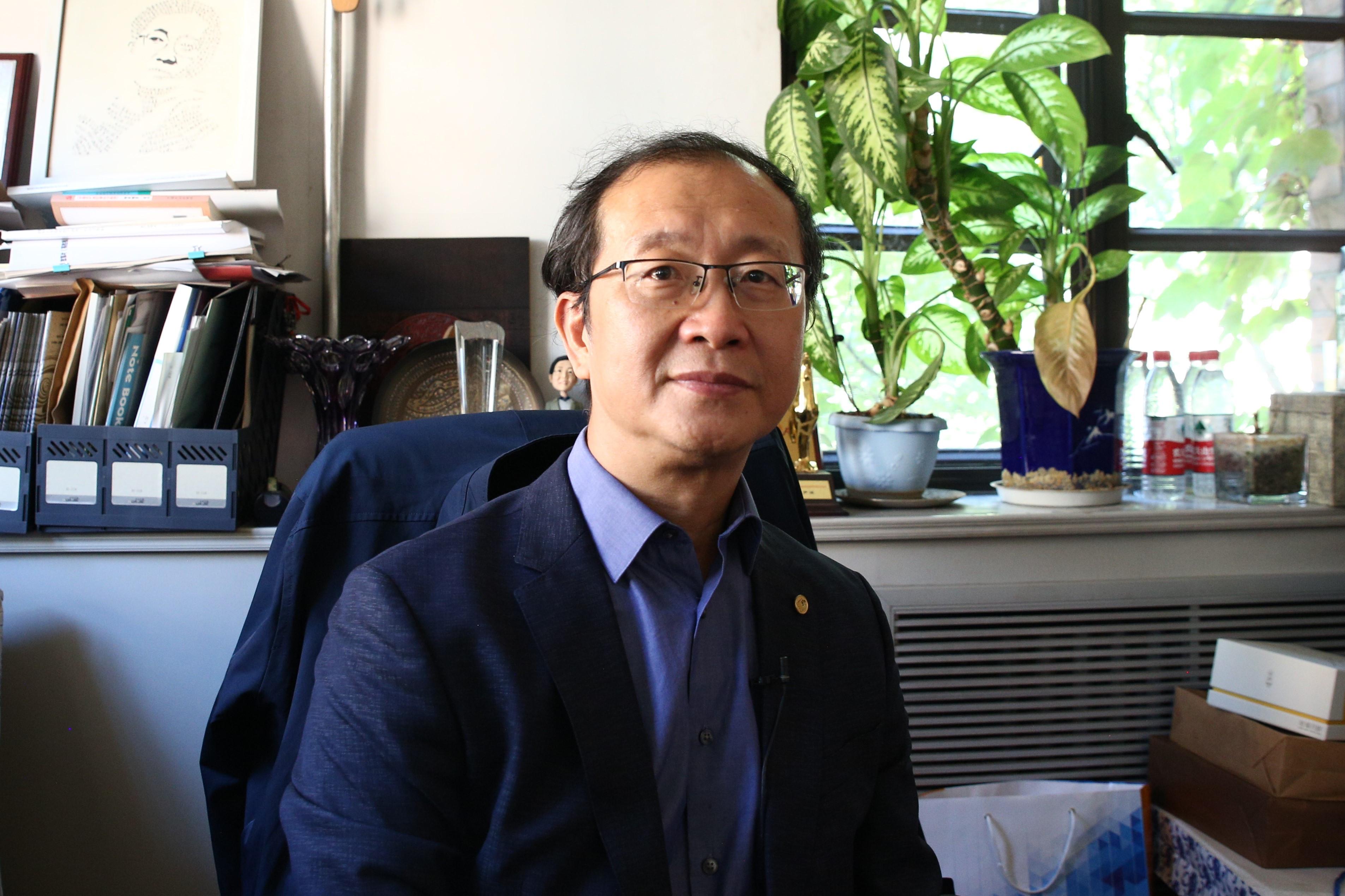 专访清华影视传播研究中心主任尹鸿:演员片酬应控制在总成本50%以下