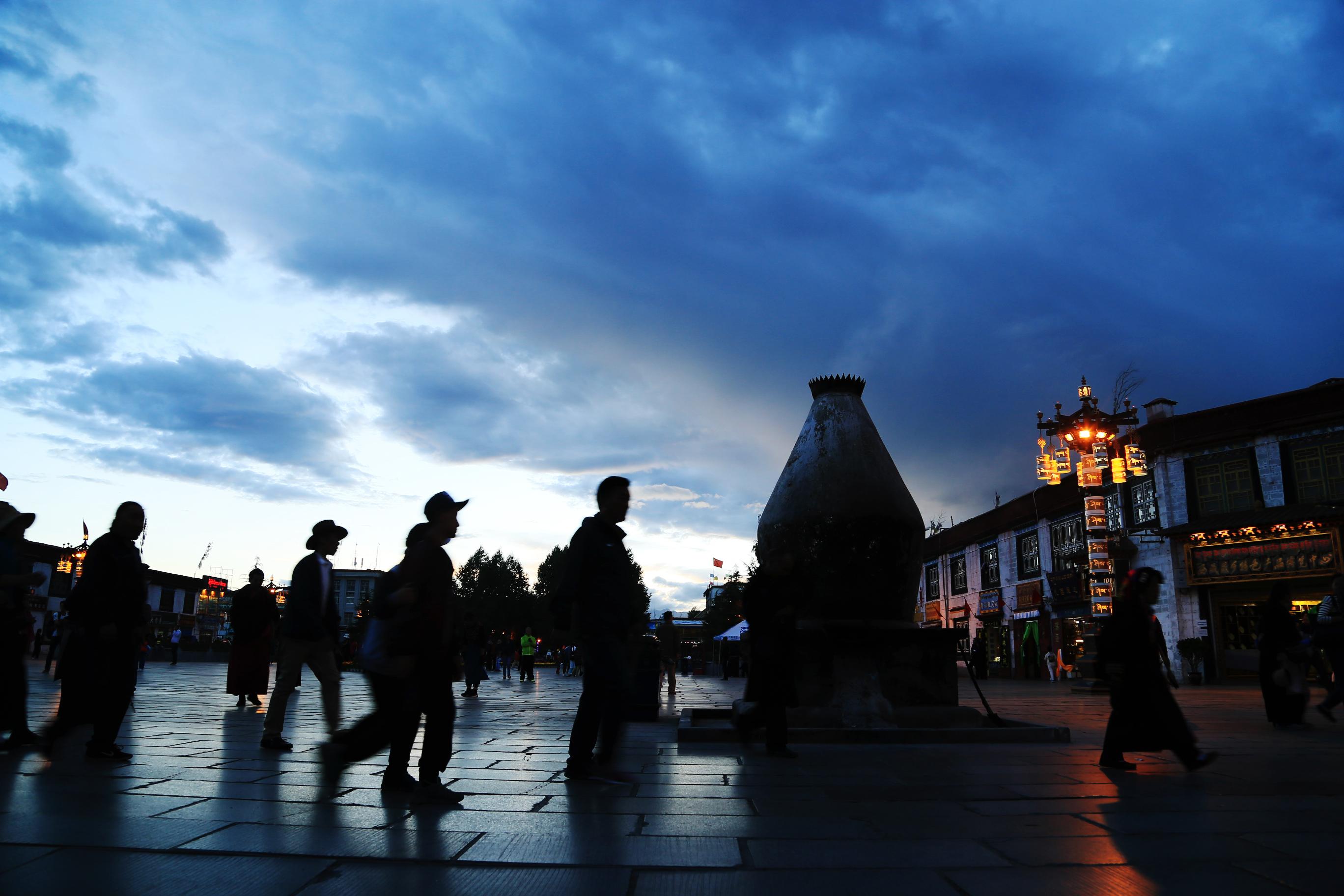 去西藏看什么:看山、看水、看塔、看人、看自己