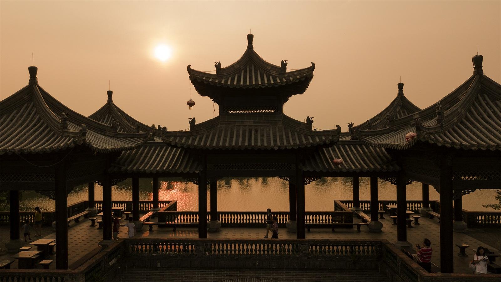 岭南园林与北京的皇家园林(颐和园),苏州的江南园林(拙政园,网师园等)图片