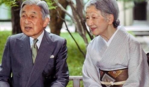 日本最美皇后 被婆婆欺负到失语,绝世美貌却换来59年的 囚禁图片