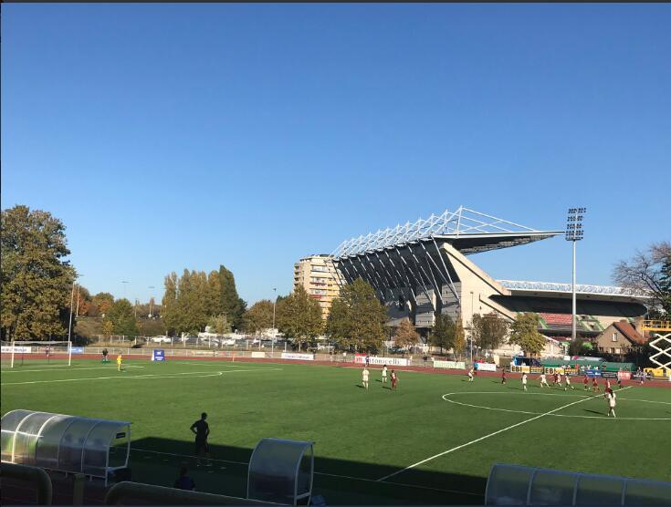 王霜策动助攻造逆转巴黎女足客场3-1暂升榜首