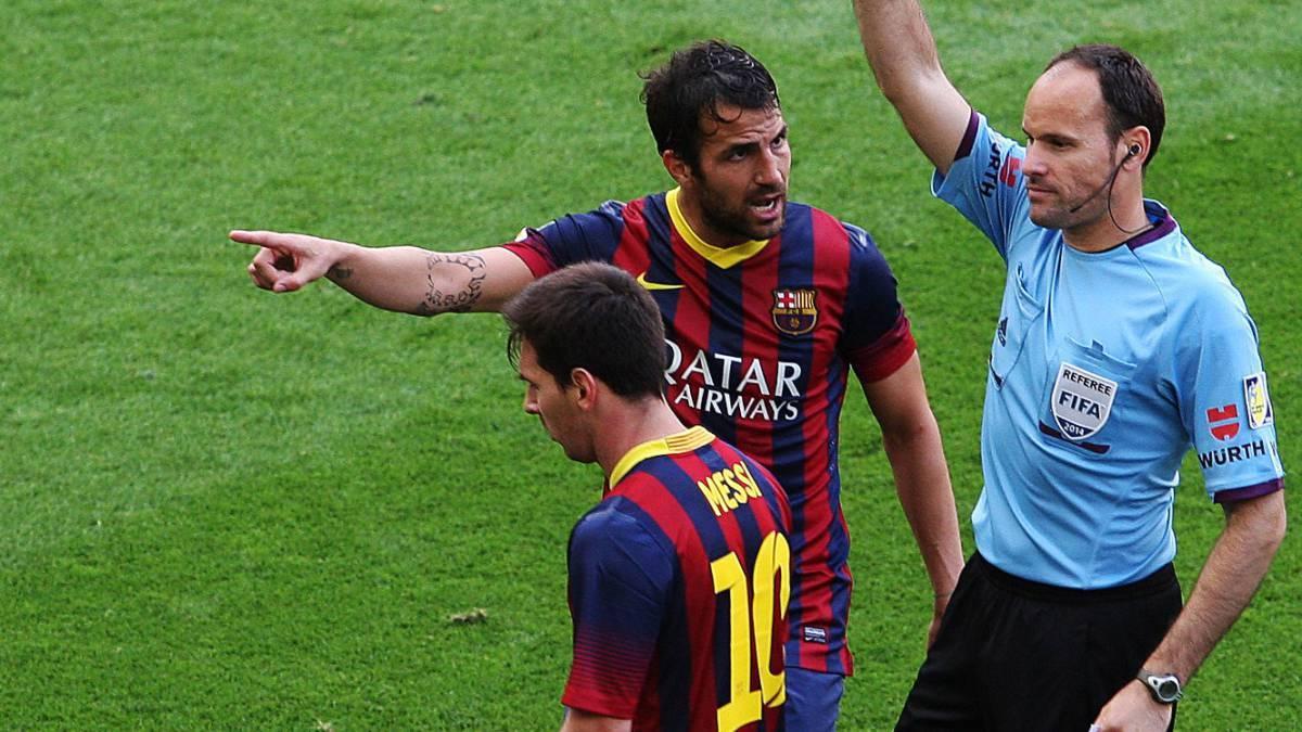 实锤!误吹梅西绝杀球主裁道歉 巴萨冠军惨被黑