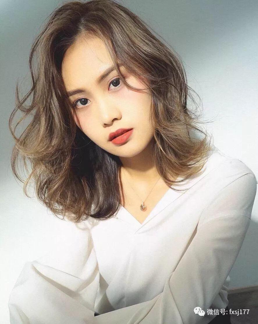 """2018人气发型""""烫发最红""""图片"""