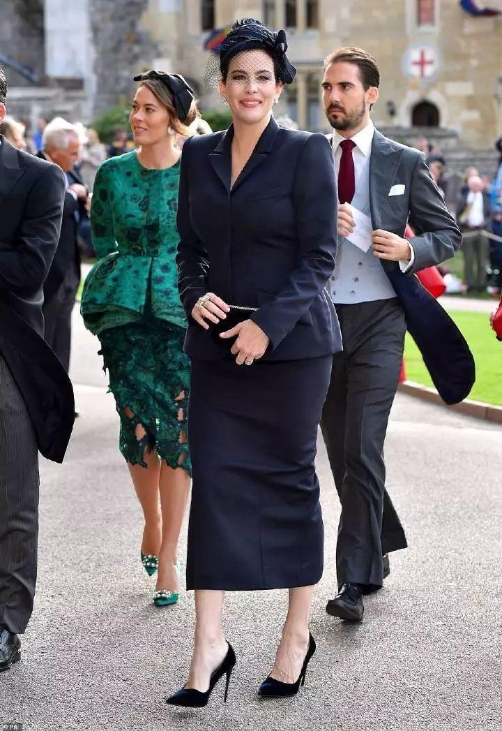 时髦办 | 奶茶妹妹英国参加婚礼,还被错认成日本公主?