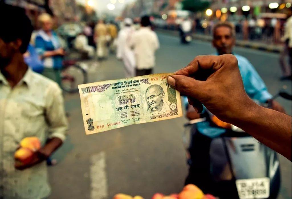 強經濟對上弱匯率, 印度怎么了?