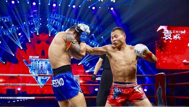 他两次击败雅桑克莱,却头脑简单四肢发达,连续被同一招KO两次!