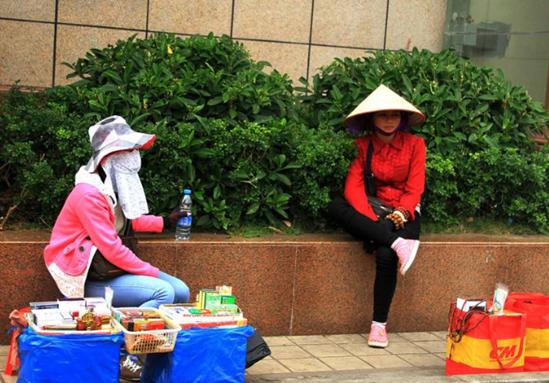 男人去越南真是为了旅游?这些主动搭讪的女子,离得越远越好!
