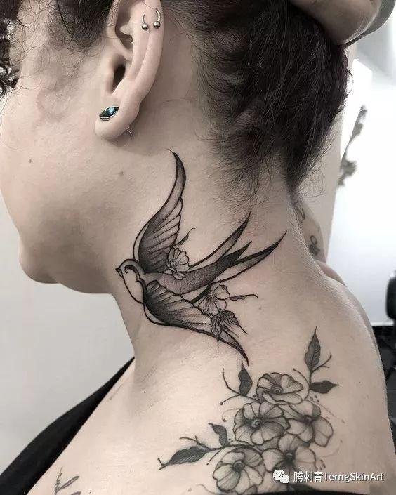 脖子纹身·····疼
