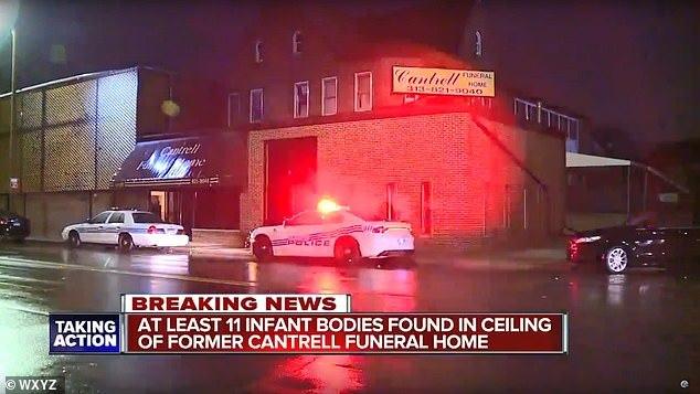 美国底特律警方在一家殡仪馆的天花板上发现11具婴儿尸体