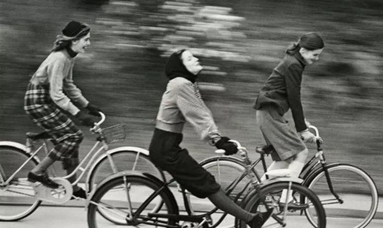 一本描绘1890年代短暂女性运动史的新书,提到了自行车的作用