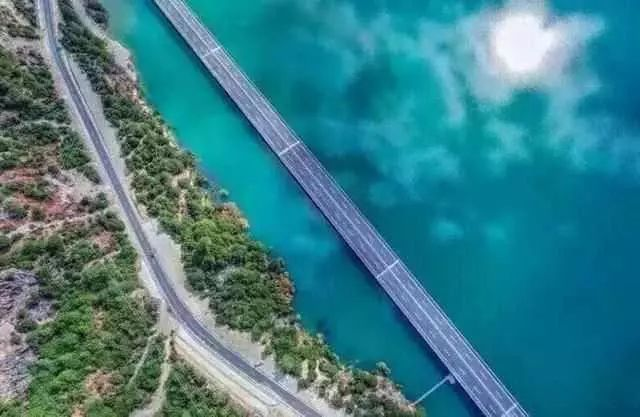 """中国唯一免费""""高速公路"""",风景秒杀瑞士,自驾美翻天!"""