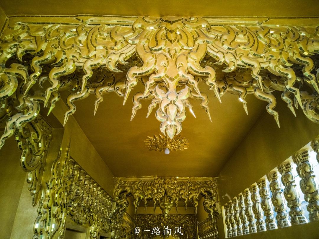 """泰国有座""""黄金""""厕所,方个便像游皇宫!"""