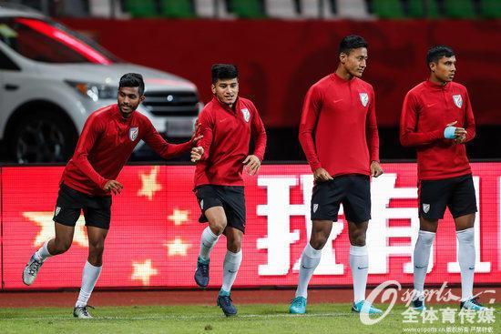 印度主帅:U25集训?那我只能祝中国足球好运