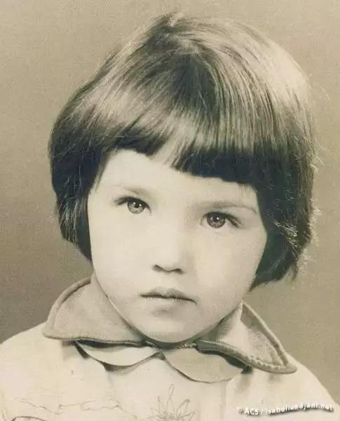 伊莎贝尔·阿佳妮 童年