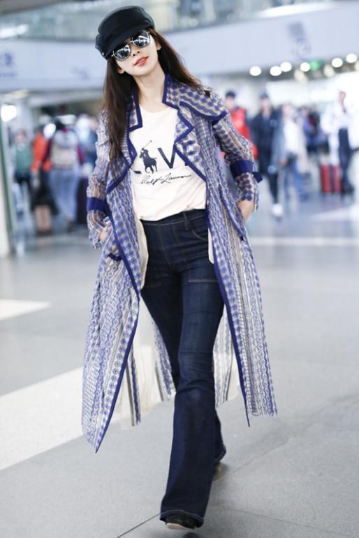 林志玲穿對了美得太高調!超薄風衣穿出少女感,搭配喇叭褲更有架式