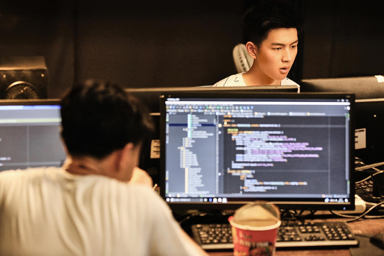 范津玮出击《创业时代》 演绎新时代青年风采