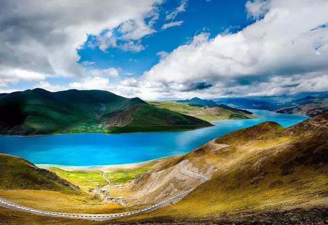 中国不吃鱼的城市,湖中有6亿斤鱼伸手就抓到一大把,却没人敢吃!