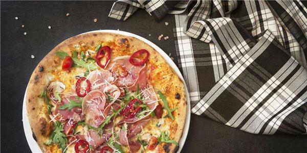 应对肥胖潮,英国强制规定披萨热量!玛格丽特披萨或绝版