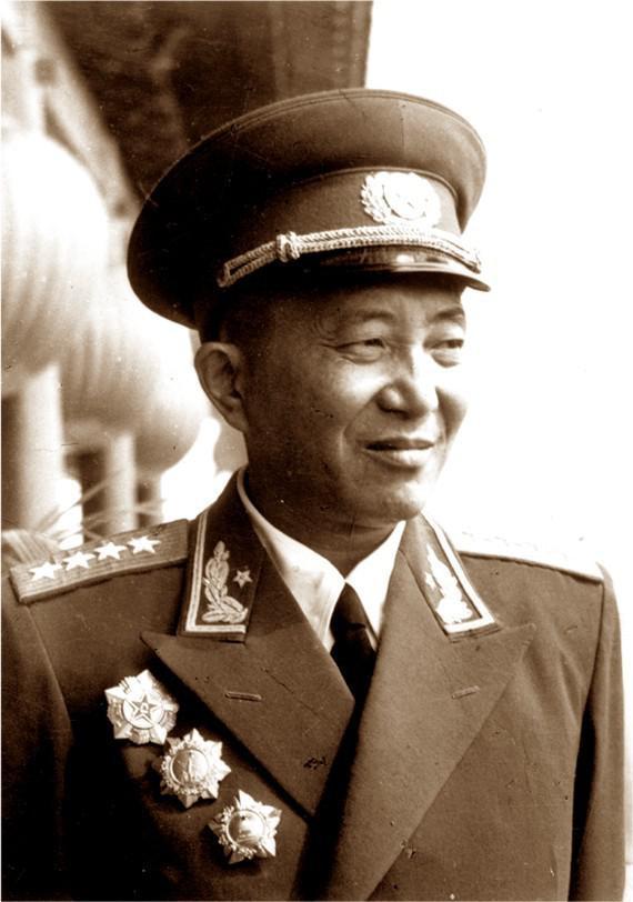 十大元帅十大将军排名&揭秘开国大将罗瑞卿的三次大难图片