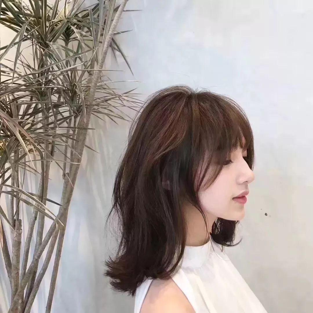 而发量少,太阳穴凹陷的女生 完全不用考虑头发长度 无论是齐肩短发图片