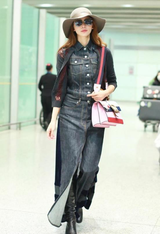 林志玲穿对了美得太高调!超薄风衣穿出少女感,搭配喇叭裤更有范
