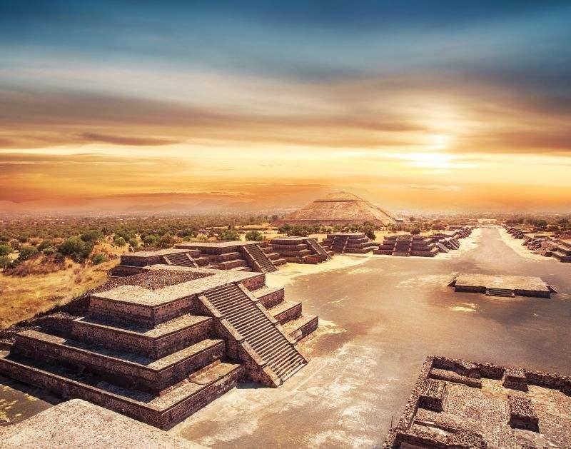墨西哥有座古城,用活人祭神,秘密的光影蛇形幻象至今未解