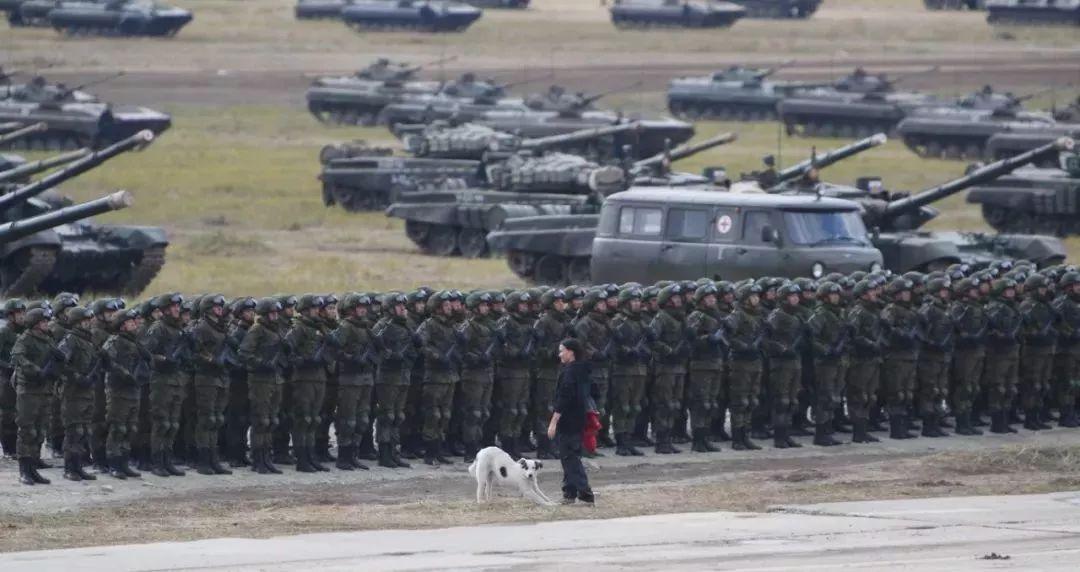 正在上演:冷战后北约与俄最大最激烈尖锐对峙!