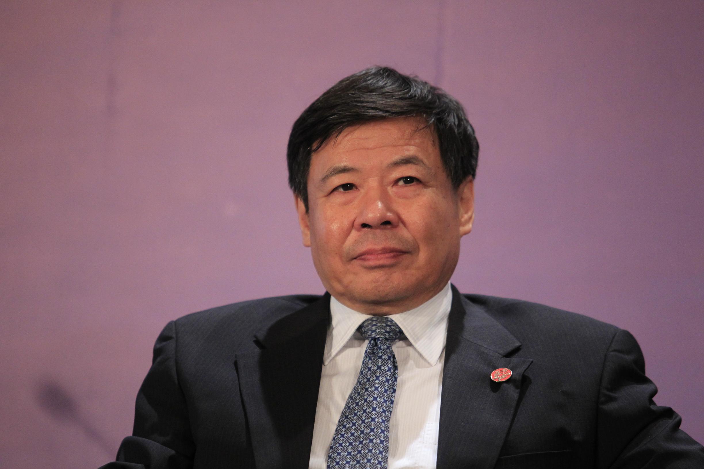 朱光耀:美国应对全球经济下行趋势负责