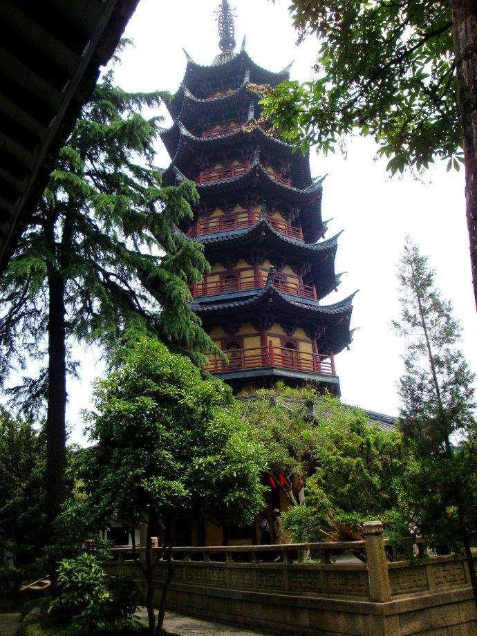 """苏州有个世界最早""""空中园林"""",内藏1600年古刹,门票1块钱"""