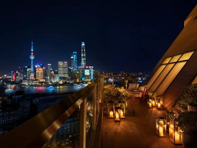 厉害了!在奢华酒店林立的上海,这一家却拿下了地标建筑