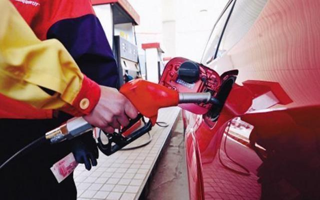 """95号汽油迎来9元时代 19号新一轮油价调整或将""""四连涨"""""""