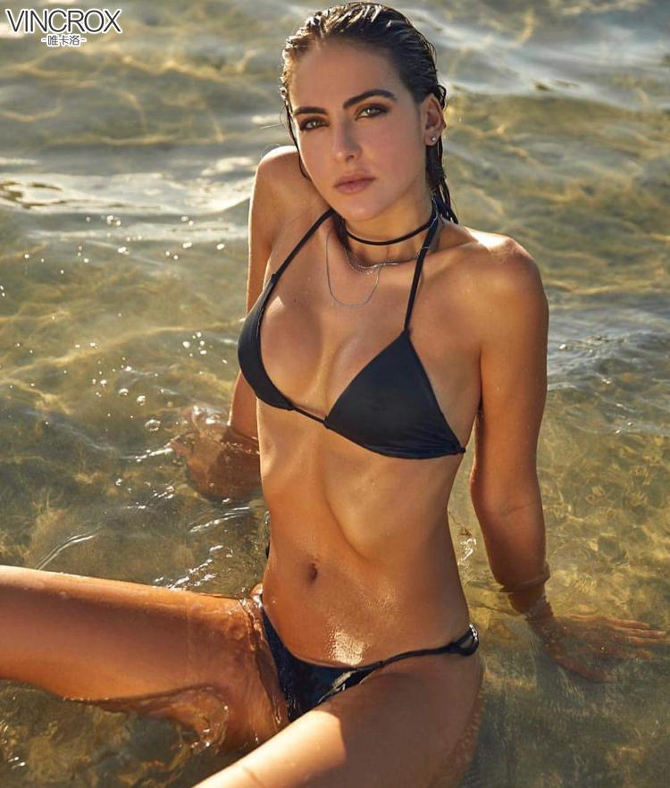 哥伦比亚模特Daniela botero身穿唯卡洛VINCROX比基尼