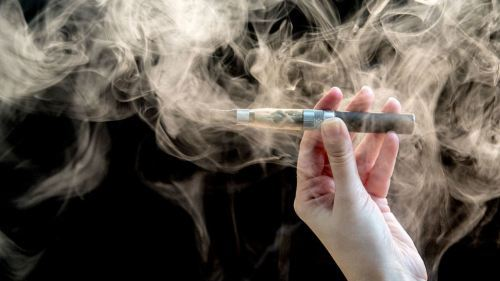 电子烟迷云 | 评论:我们决不允许电子烟成为导致青少年嗜烟成瘾的入口
