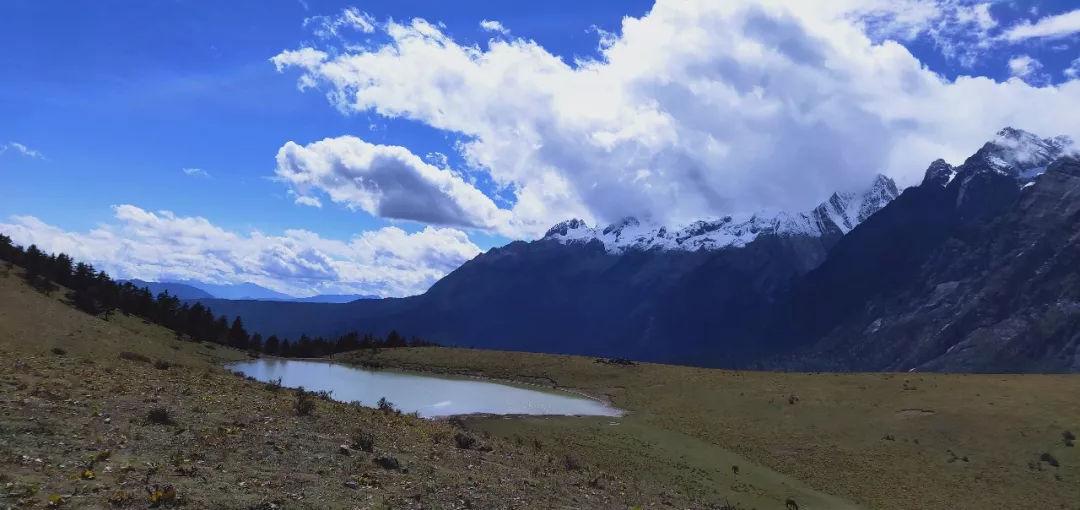 玉龙石头山?来看看玉龙雪山的美照 你还会这样说吗?