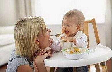 初添輔食, 媽咪都會忽略的5個細節!
