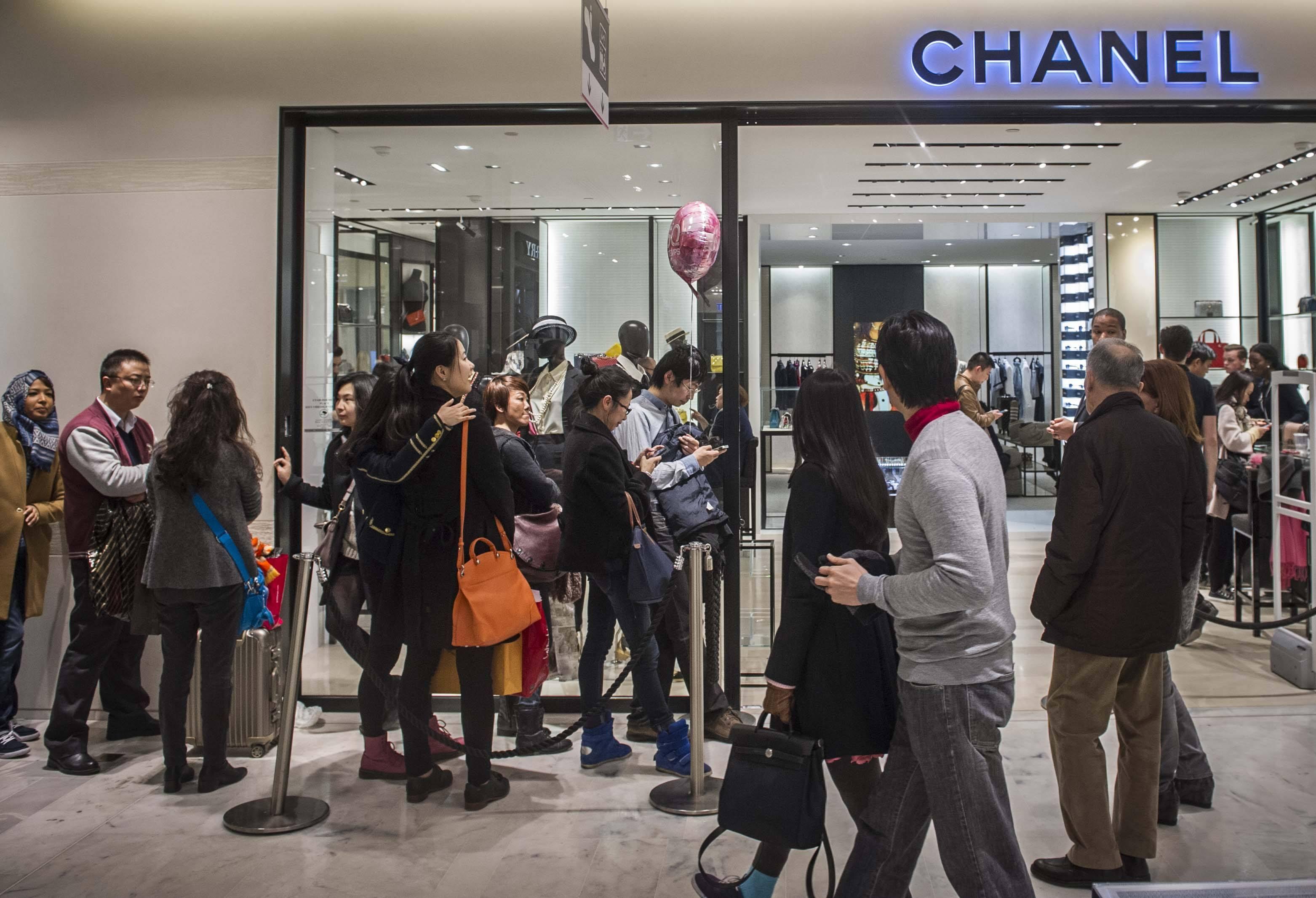 深度|对代购开始严厉打击后,奢侈品牌将有什么样的致命影响?