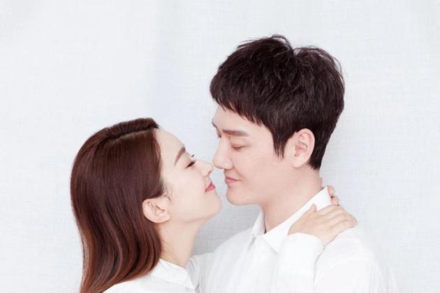 华为mate20发布会撞上赵丽颖冯绍峰结婚,华为该哭还是该笑?