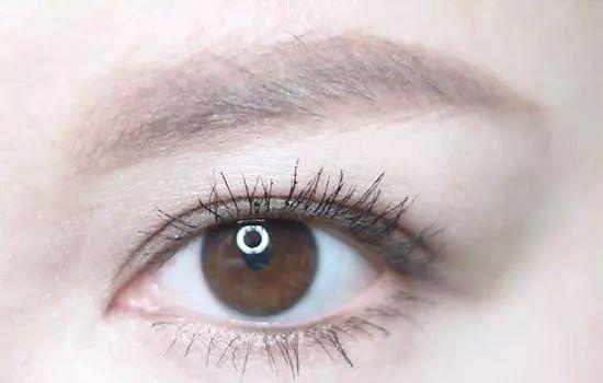 眼神不够眉毛来凑 新手化妆眉毛这样画最自然