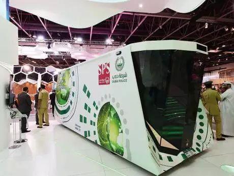迪拜无人驾驶警察局、迪拜人工巡逻车…土豪国有钱!
