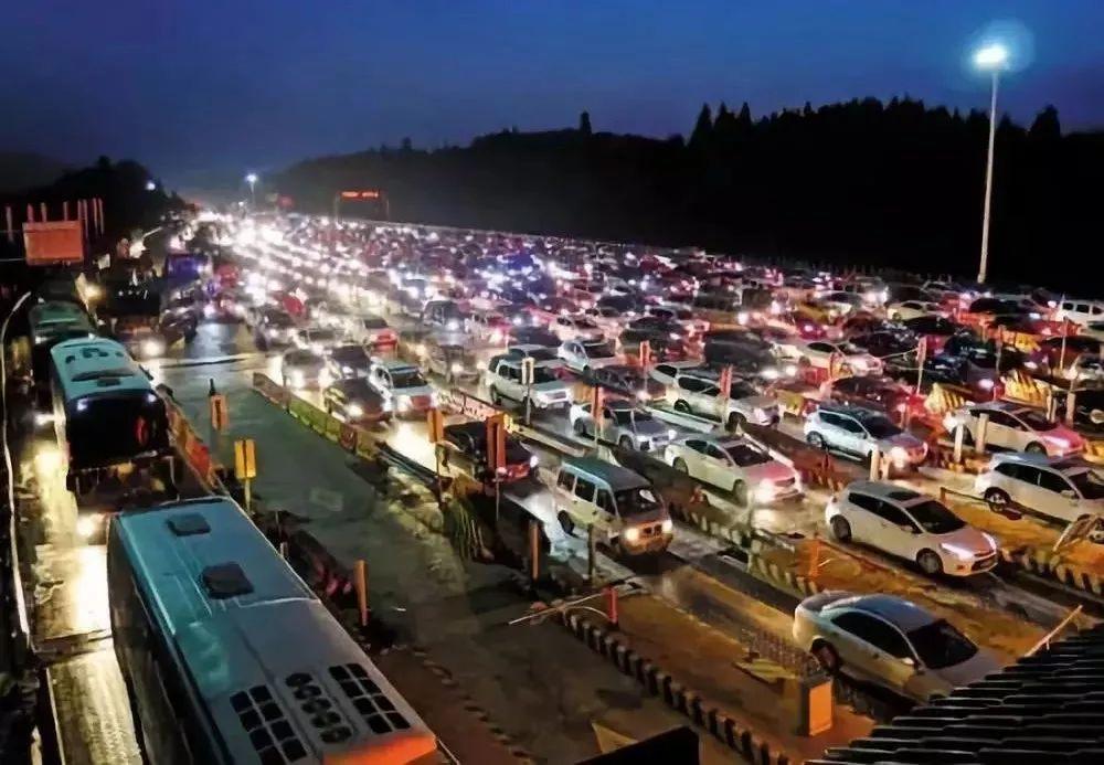 """问:""""怎么才能征服高速公路?"""" 答:点开就知道……"""