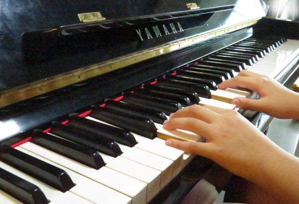 谷歌AI钢琴 一分钟让你变钢琴大师