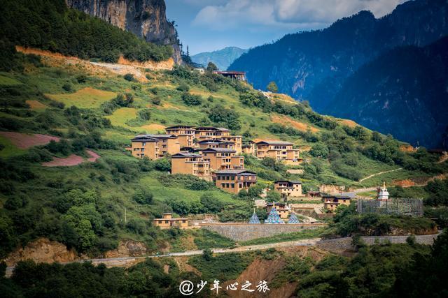 香格里拉最神圣的村落,与世隔绝1300多年,游客:真世外桃源